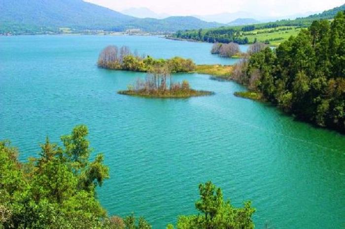 lake-zirahuen