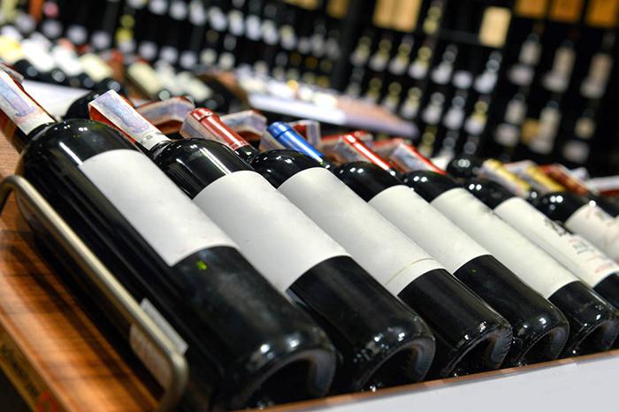 te has puesto a pensar en las caracteristicas de las botellas de vino