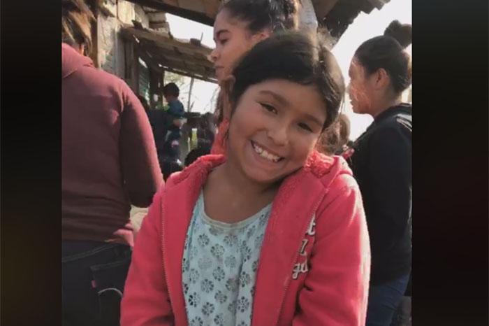 El Corazón A Niños Con De Juguetes Cientos Escasos Regalan 3jL4RqA5