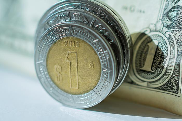 Dinámica dolar y peso mexicano.