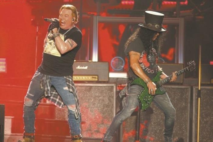 Multan a empresa que organizó el concierto de Guns N' Roses
